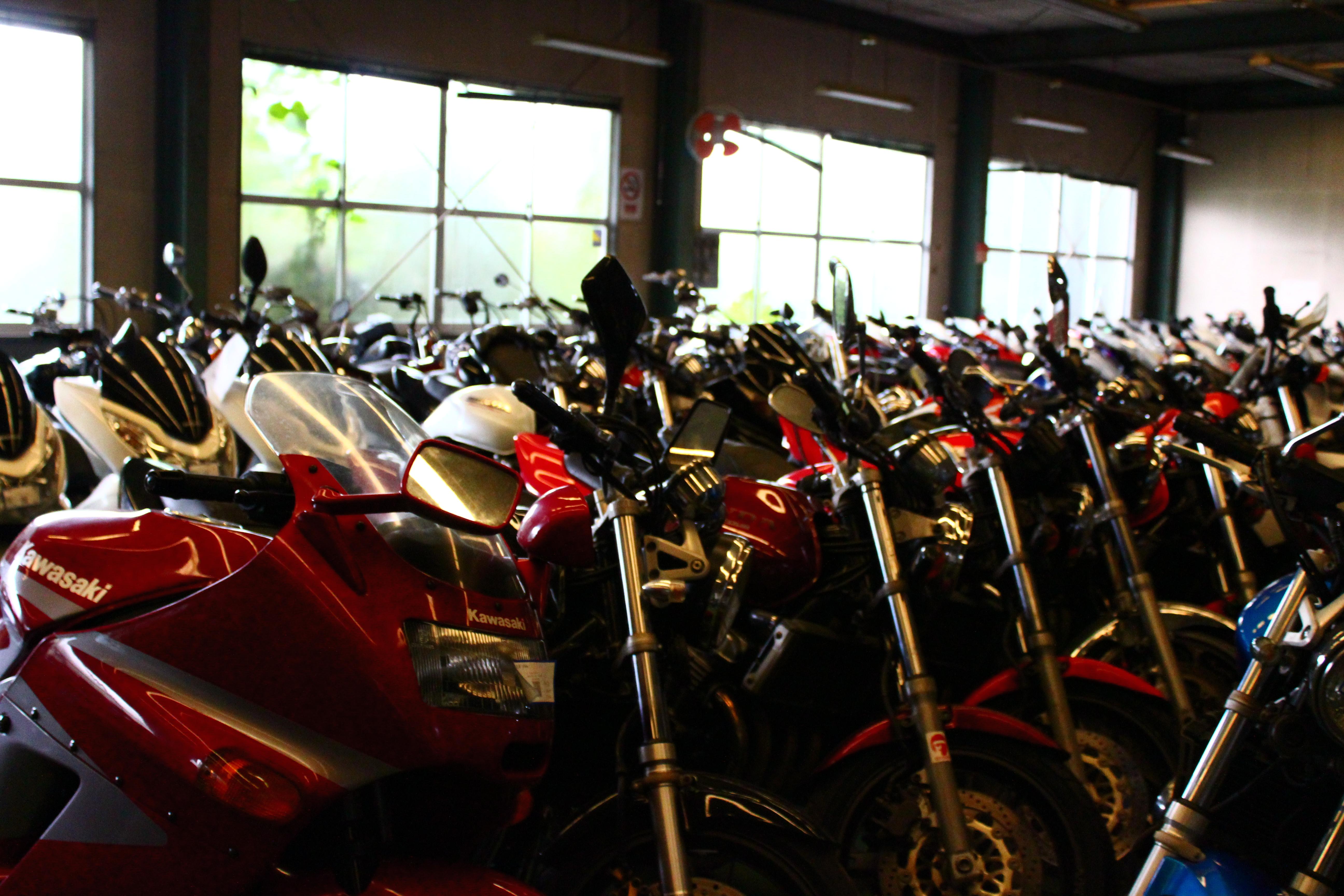 キンキオートバイ室内在庫