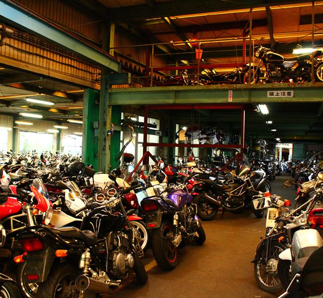 キンキオートバイ屋内倉庫