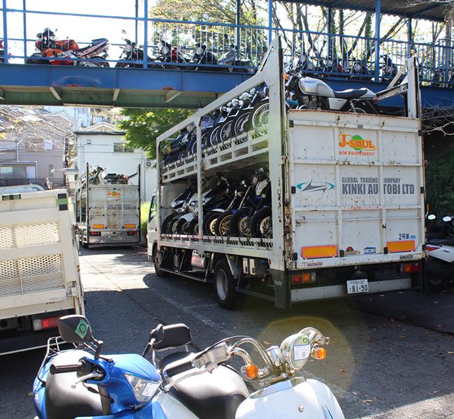 キンキオートバイ輸送車両